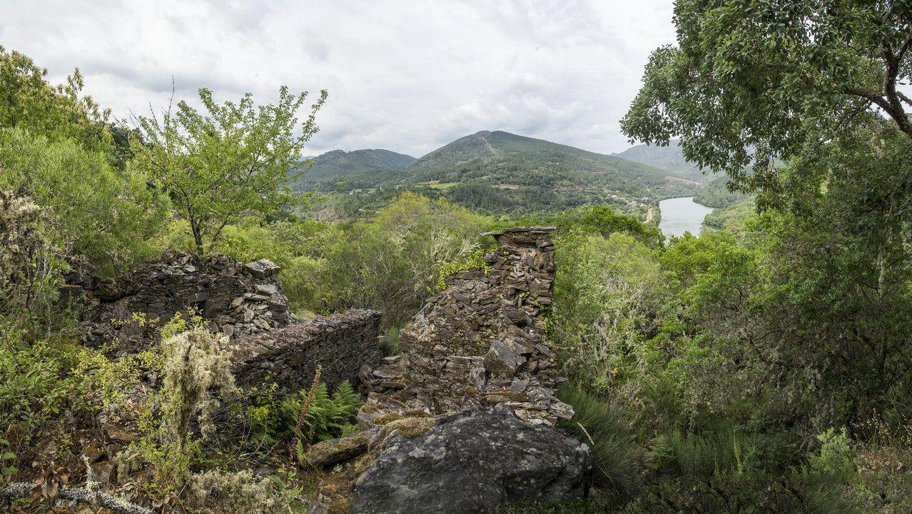 En la zona pueden verse ruinas de varios sequeiros