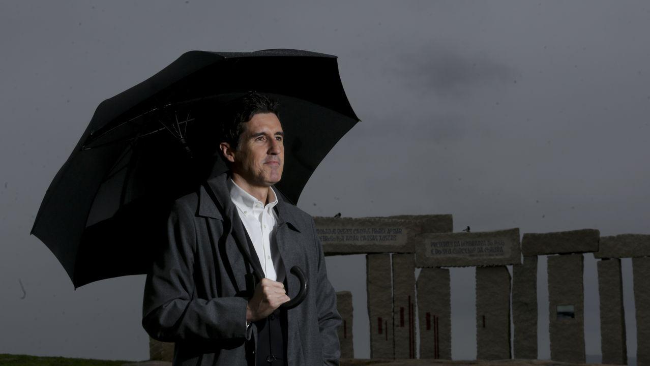 El campo de la Rata. Este espacio, próximo a la torre de Hércules, es el rincón elegido por Arangüena no solo para honrar la memoria de los fusilados en este entorno por el franquismo, sino porque esta atalaya observó toda la historia de A Coruña, desde Julio César a Humboldt, pasando por Carlos V