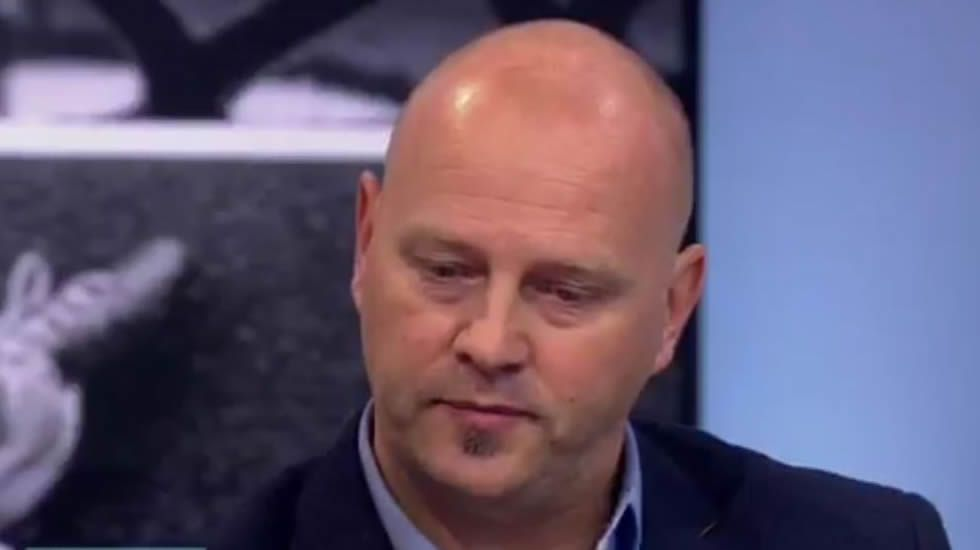 Gary Johnson admite que el Chelsea compró su silencio para tapar los abusos sexuales.El exjugador Unsworth revela los abusos sexuales que sufrió