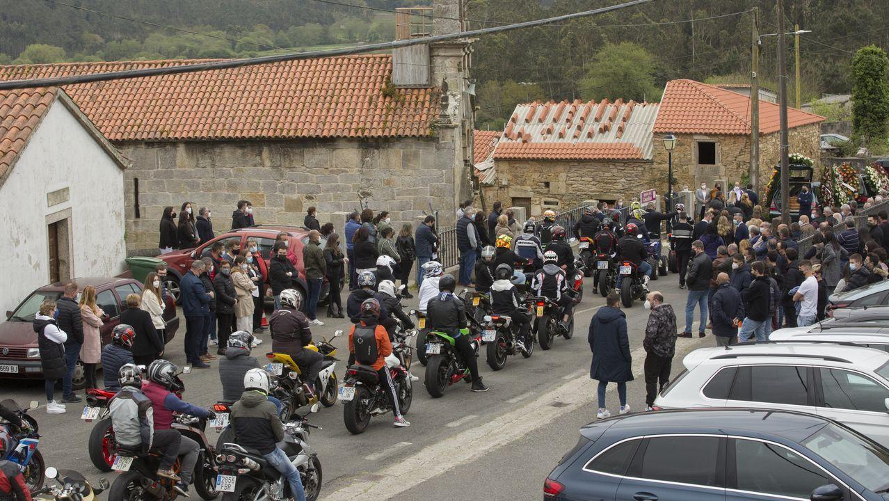 El municipio de A Pobra comenzó a aplicar el jueves las máximas restricciones, que limitan la movilidad y mantienen cerrada la hostelería