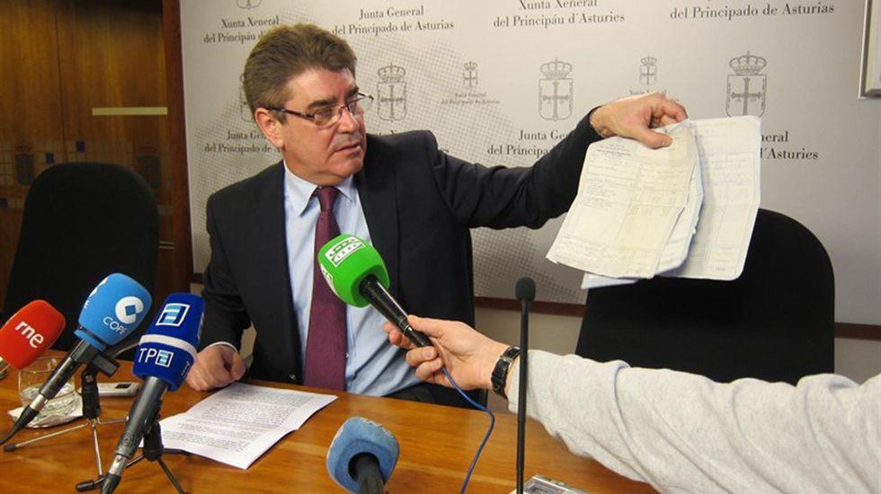 El expresidente de Perú, Alan García, se dispara en la cabeza cuando iba a ser detenido por una presunta trama de corrupción.Alfonso Román