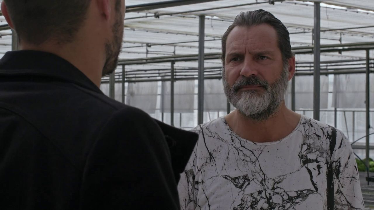 O actor Monti Castiñeiras da vida a Santos