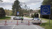 Frontera de A Madanela, entre Galicia y Portugal, cortada en la parte portuguesa