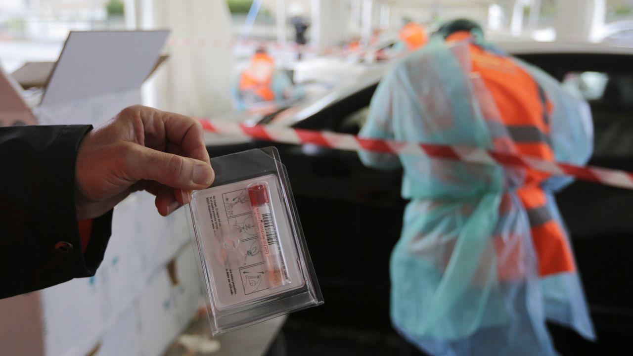 Imagen de las pruebas de cribado en la ciudad de A Coruña.El gobierno local trasladará al consejo escolar del CEIP Barrié de la Maza el acuerdo plenario y la opinión favorable a un cambio de nombre del centro