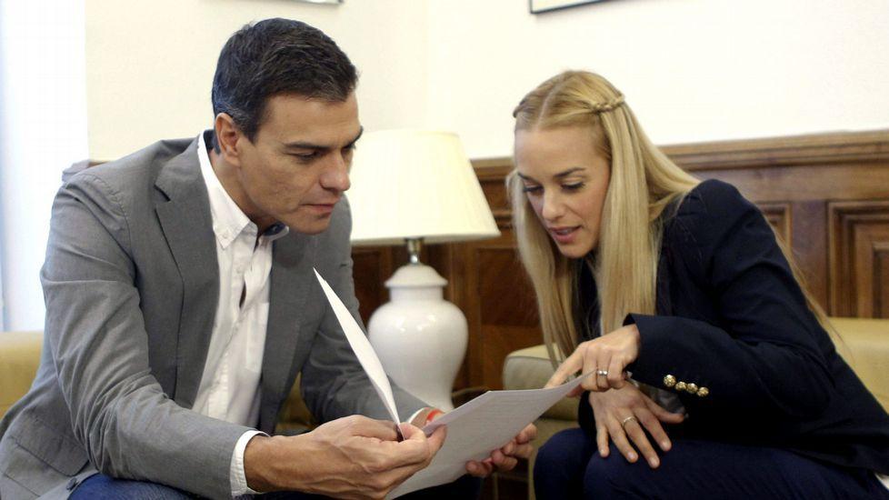 Pedro Sánchez con Lilian Tintori
