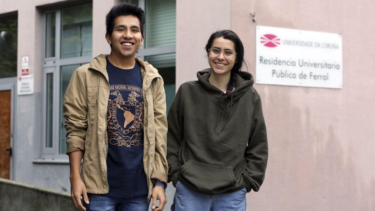 Alán Rendón y María Bañón están confinados en la residencia universitaria de la UDC en Ferrol