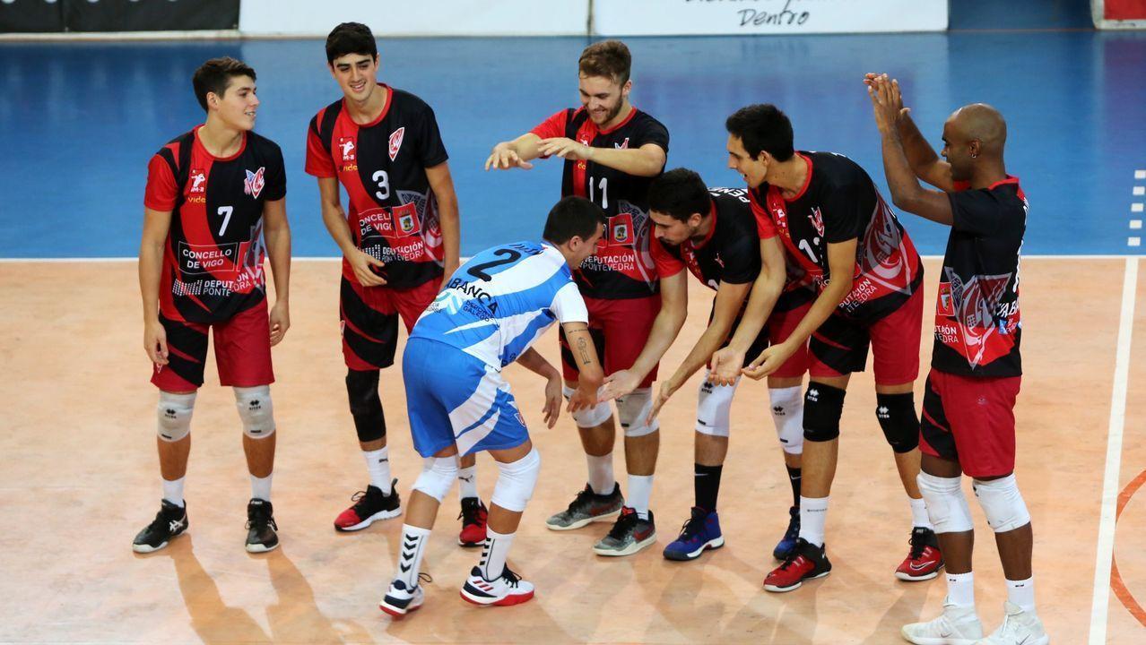 gol Rodri Real Oviedo Tenerife Carlos Tartiere.Los jugadores del Oviedo celebran uno de los goles ante el Albacete