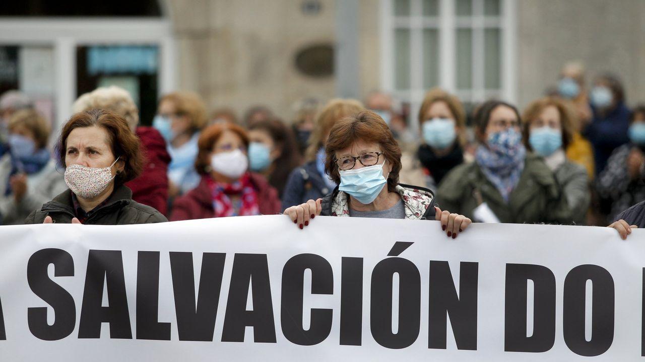 En el hospital Montecelo, en Pontevedra, había este martes 19 pacientes de covid ingresados en planta y tres graves en la uci