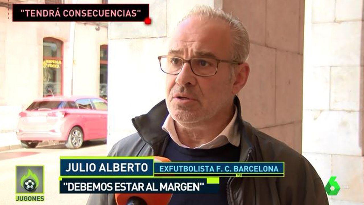 Julio Alberto, ex jugador del Barça, critica al club por involucrarse en la situación política de barcelona.Banco Popular