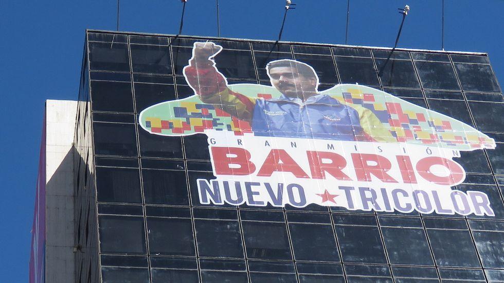 Venezuela ya vota.Nicolás Maduro deposita su voto en Caracas.