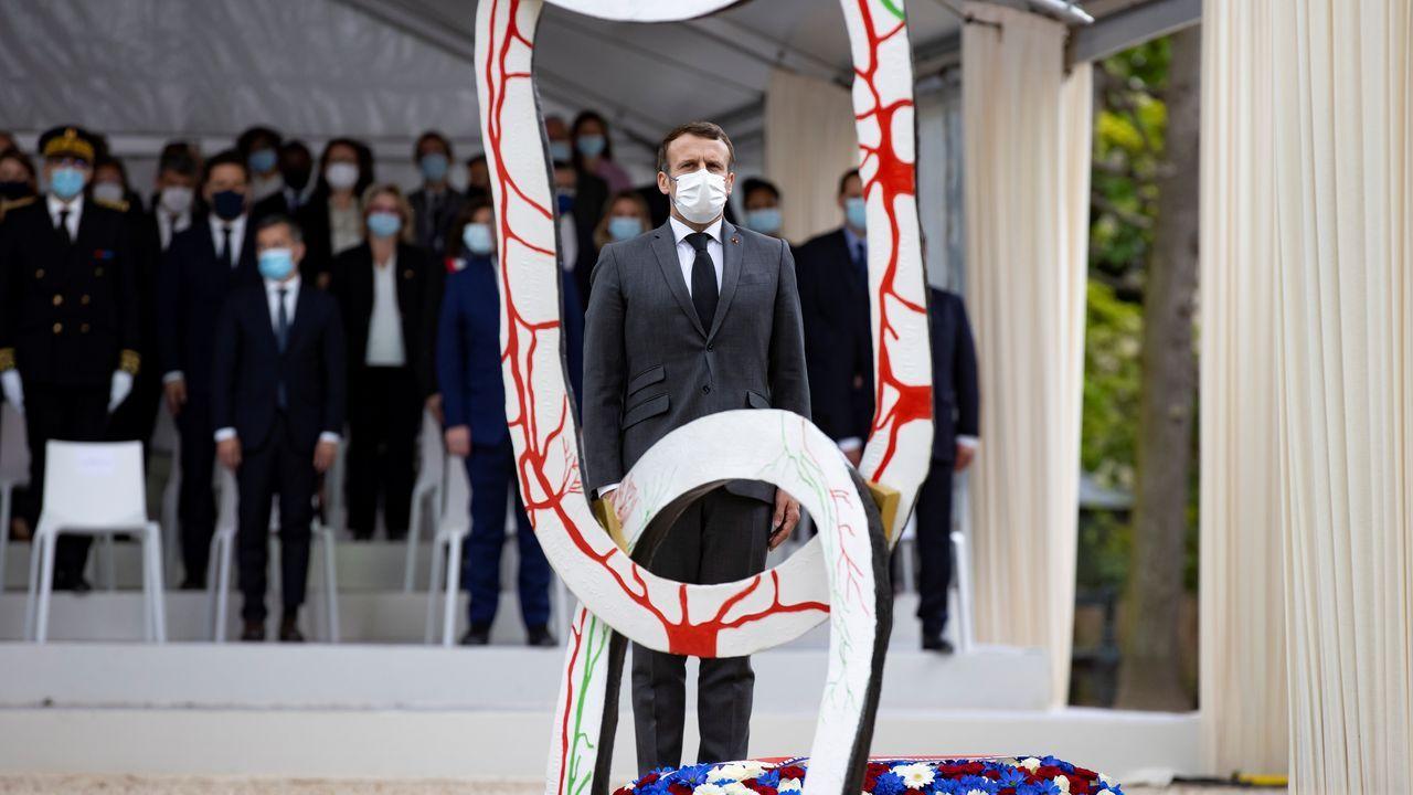 Francia y Austria reabren las terrazas después de seis meses.Macron, en Bruselas, durante un acto en conmemoración de la abolición de la esclavitud
