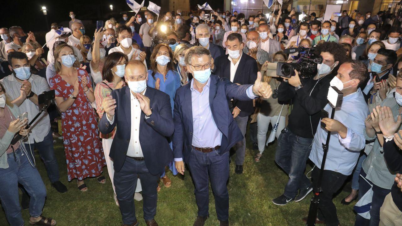 El Partido Popular, feliz de revalidar su cuarta mayoría absoluta en Galicia
