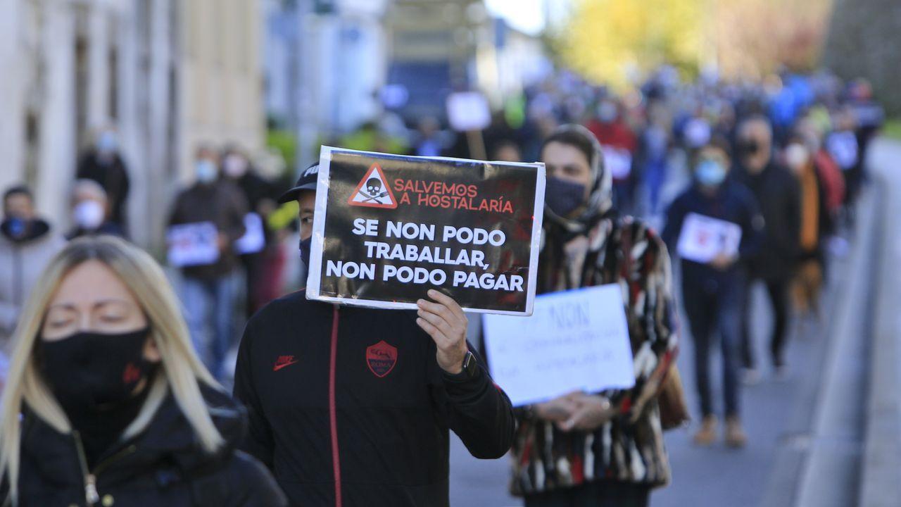 En Lugo los trabajadores recorrieron la ciudad entre aplausos en una protesta multitudinaria