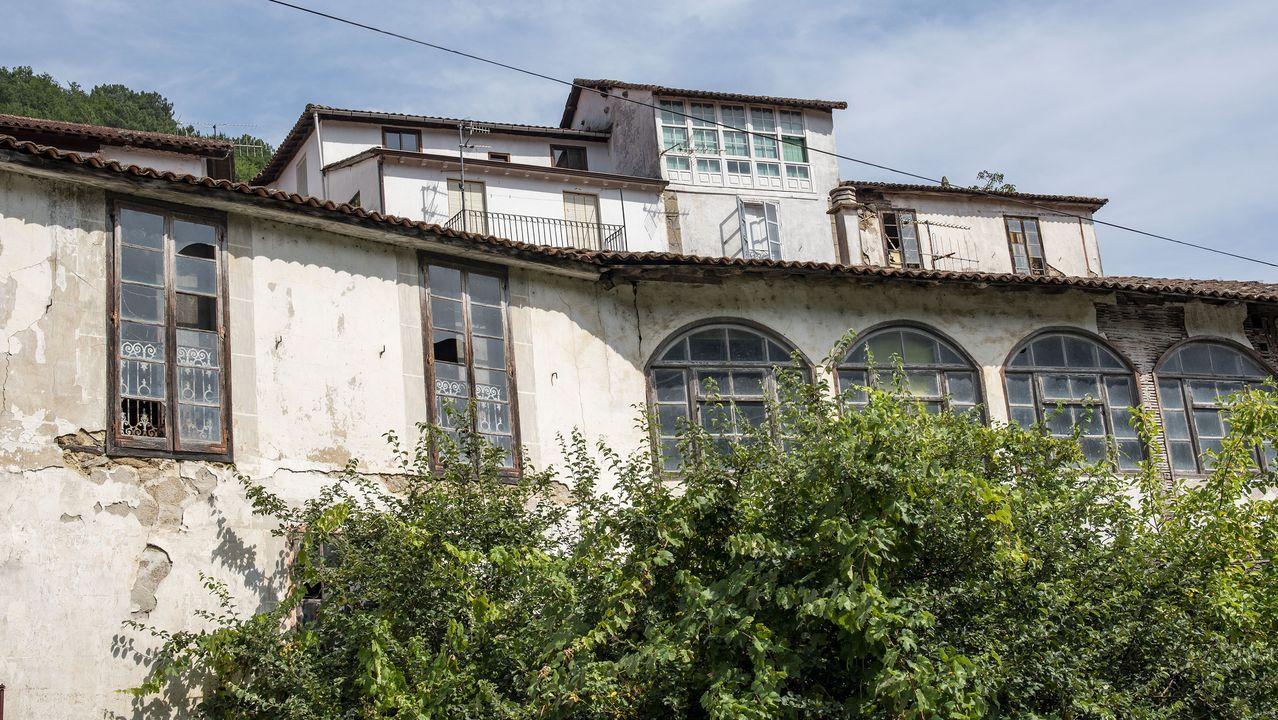 Casas antiguas en Belesar