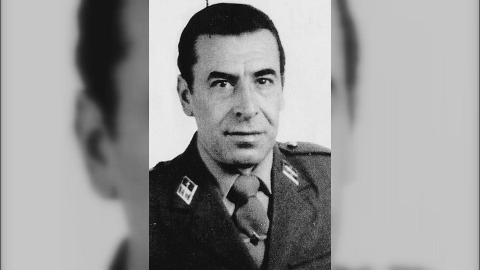 PEDRO CABEZAS GONZÁLEZ: Guardia Civil. 47 años. Natural de A Coruña. Estaba casado y tenía dos hijas