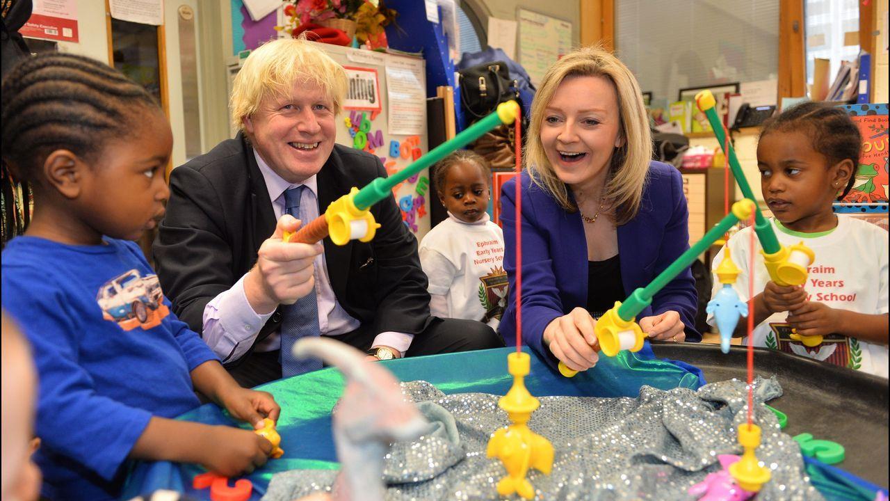 75 años del Día D.Boris Johnson visitó en un colegio para anunciar que en su programa está incrementar el presupuesto de educación