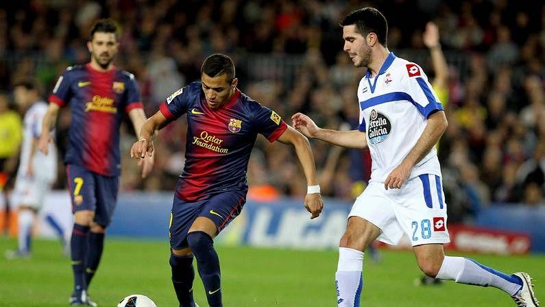 Romay (centro), Vela (derecha) y Lemos celebran el primer gol del partido.