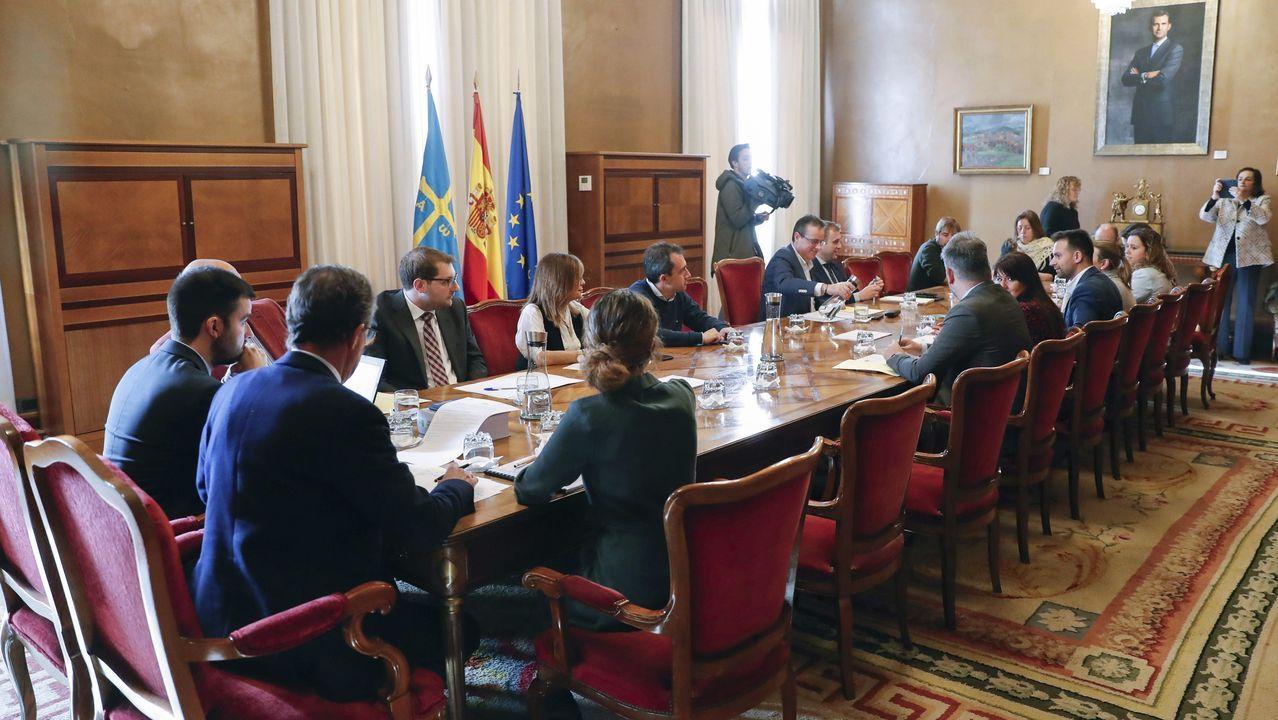 Comparecencia de Pedro Sánchez en el Congreso.Reunión de la junta de portavoces del parlamento asturiano, con la ausencia de los dos diputados de Vox, en la que se ha acordado suspender en el parlamento asturiano la actividad ordinaria durante una semana como medida de precaución ante la epidemia de coronavirus