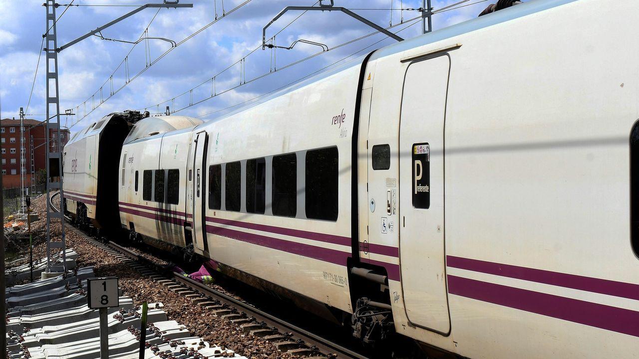 El tren con destino a Asturias que descarriló en Léon.Renfe estableció unos servicios mínimos; en la foto, la estación de tren de A Coruña.