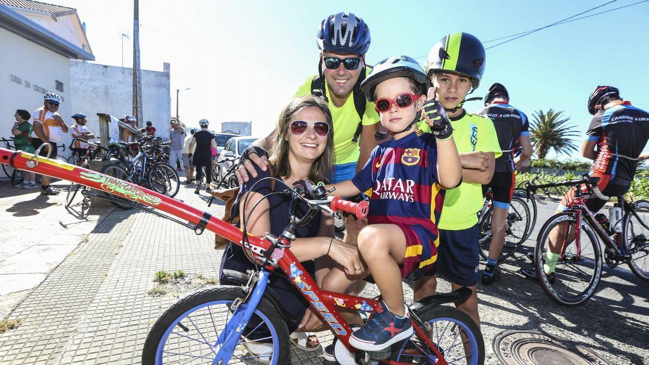 El pelotón del Día da Bicicleta recorrió las esencias de Malpica