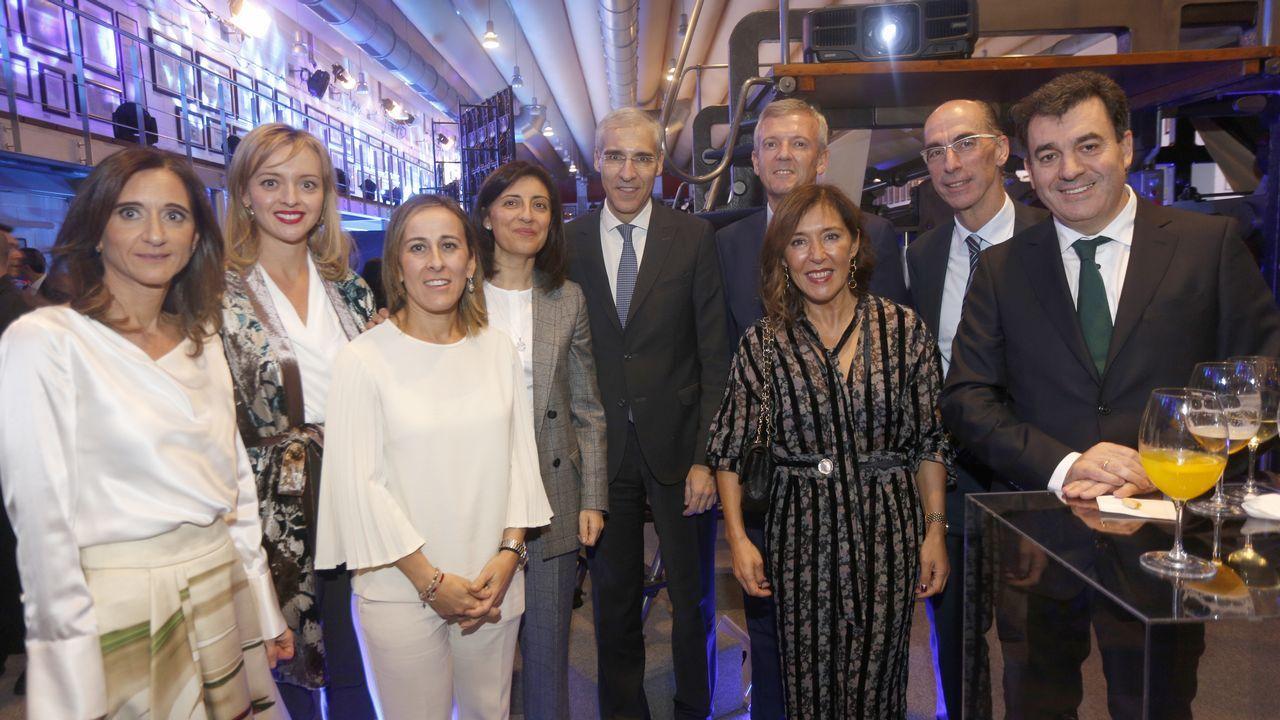 Los actuales conselleiros de la Xunta posaron con Beatriz Mato, candidata del PP a las elecciones municipales en A Coruña