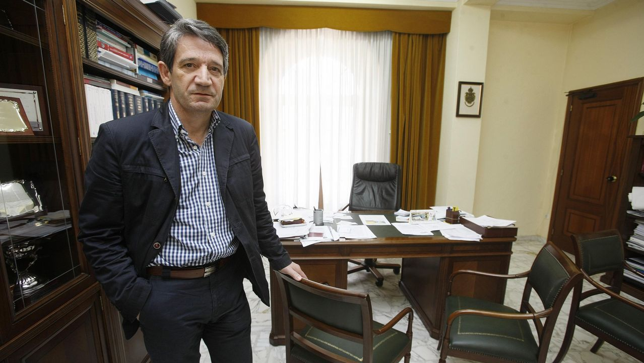 Bilbao.Ibon Areso sustituyó a Iñaki Azkuna al frente de la alcaldía de Bilbao en el 2014 tras el fallecimiento de Azkuna (Premio Alcalde del Mundo 2013). Areso está considerado como el «padre» de la transformación de Bilbao. Como arquitecto y urbanista, dirigó la oficina municial que puso en marcha el plan de regeneración urbana de la ciudad