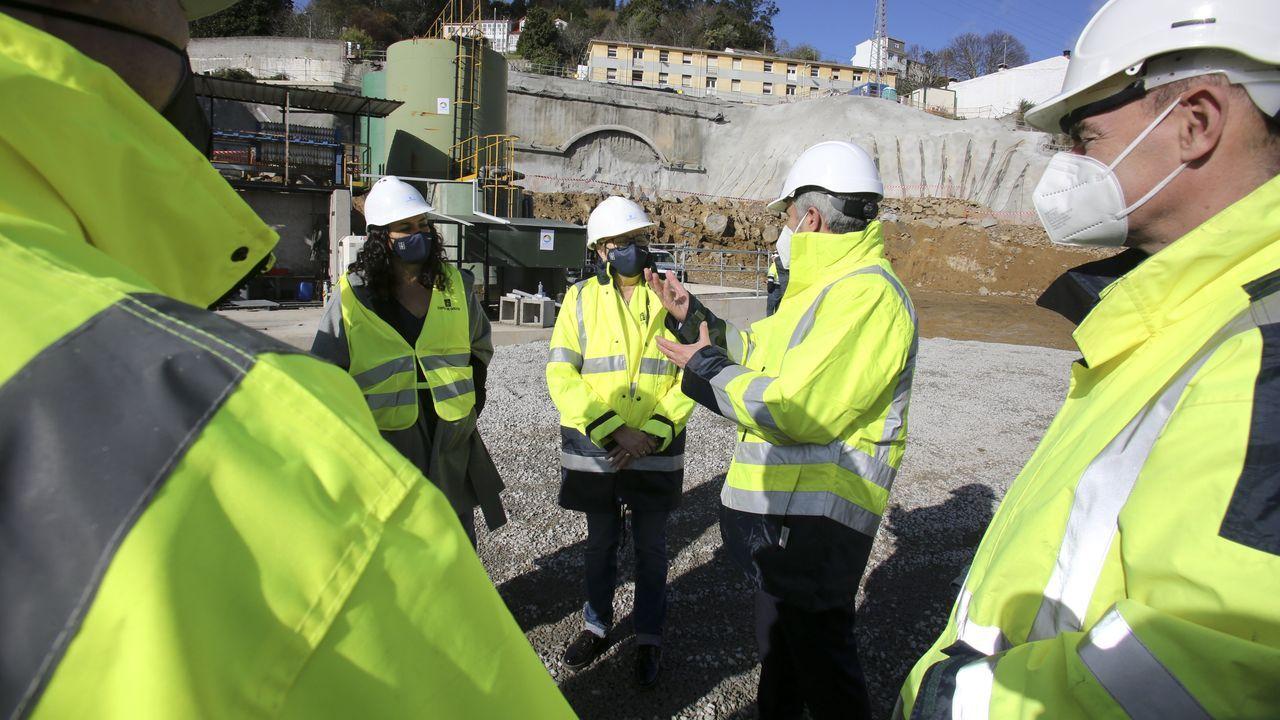 Las imágenes de la cumbre sobre el futuro del puerto de A Coruña.Visitas a las obras del túnel de A Graña