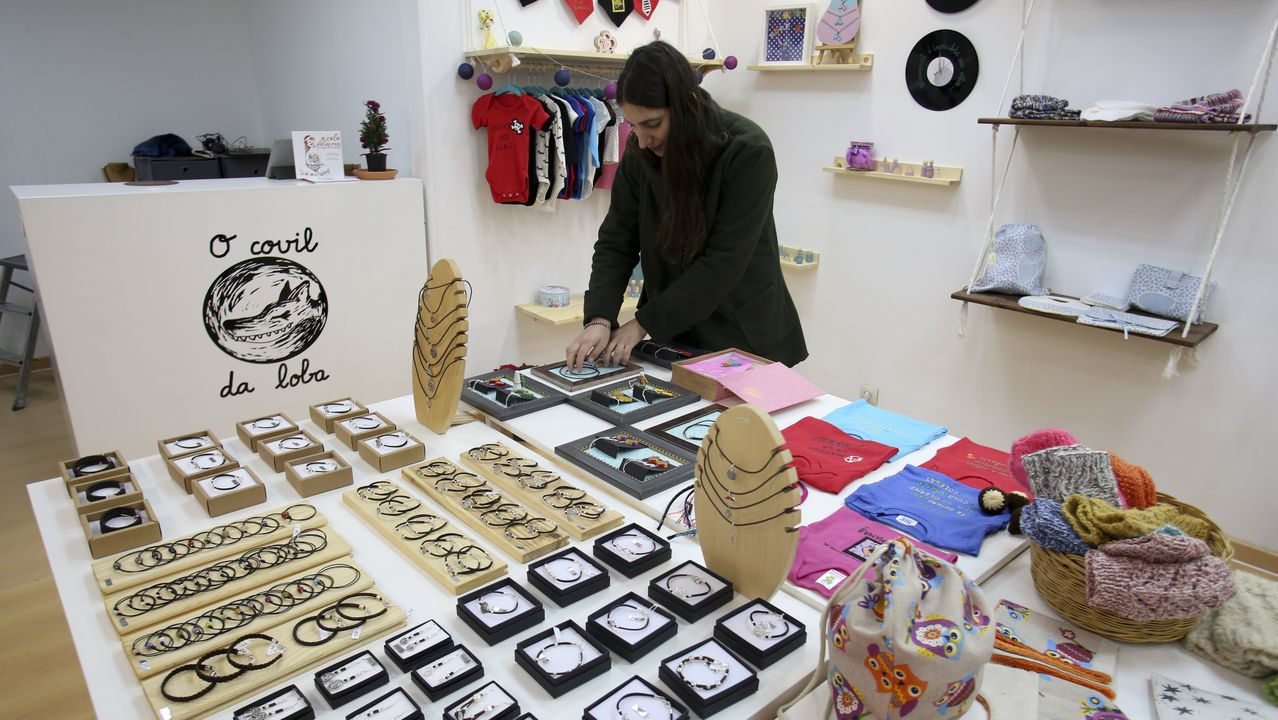 Ferrol. A Magdalena. La ciudad naval suma todas las Navidades muchas iniciativas solidarias y este año cuenta con una tienda efímera en la que nuevos creadores darán a conocer sus productos