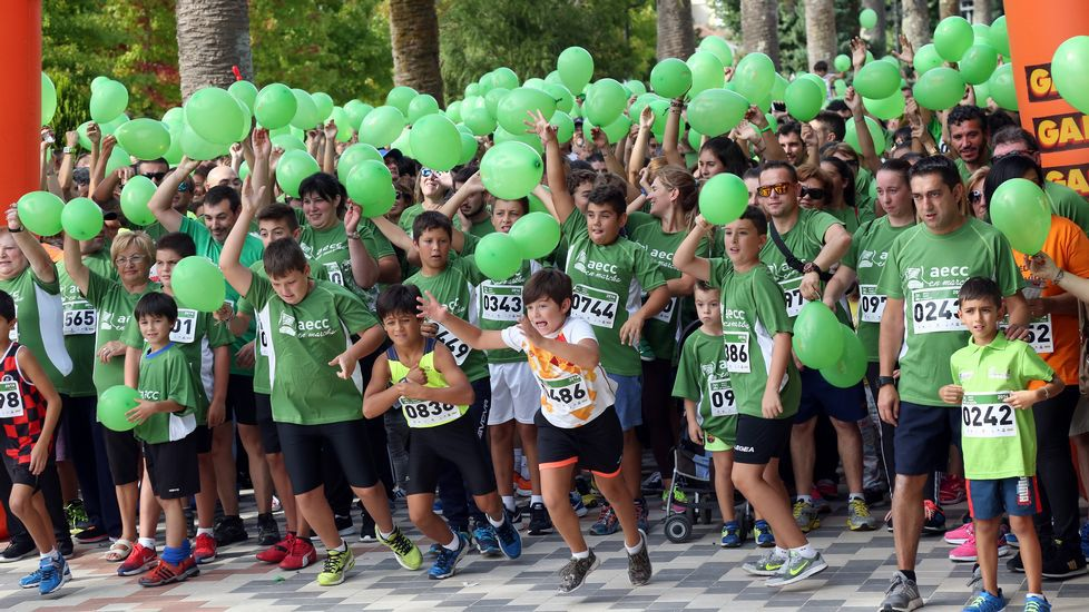 Carrera solidaria  Tres kilómetros contra el Cáncer  en Noia