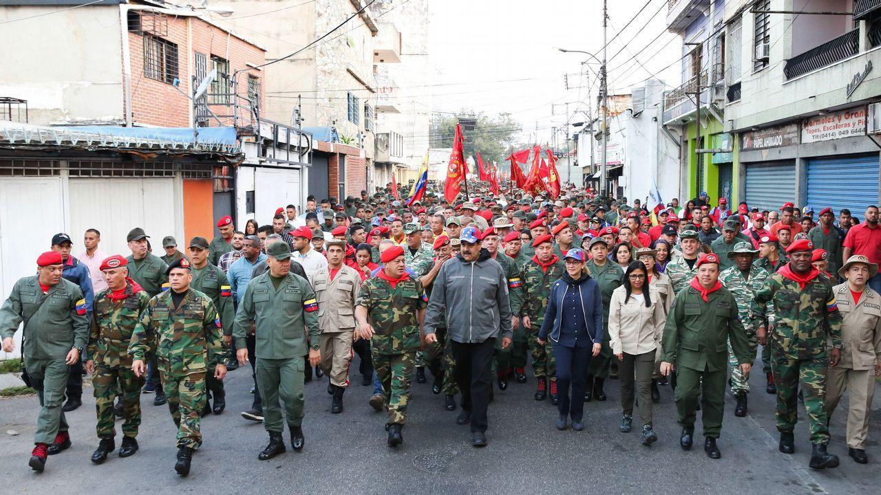 Los venezolanos no detienen su caminar hacia el exilio.Nicolás Maduro, durante la conmemoración del 27.º aniversario del fallido golpe de Estado de Chávez