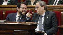 Pere Aragonès (ERC) y Quim Torra (JxCat), este miércoles, en el pleno del Parlamento de Catalán