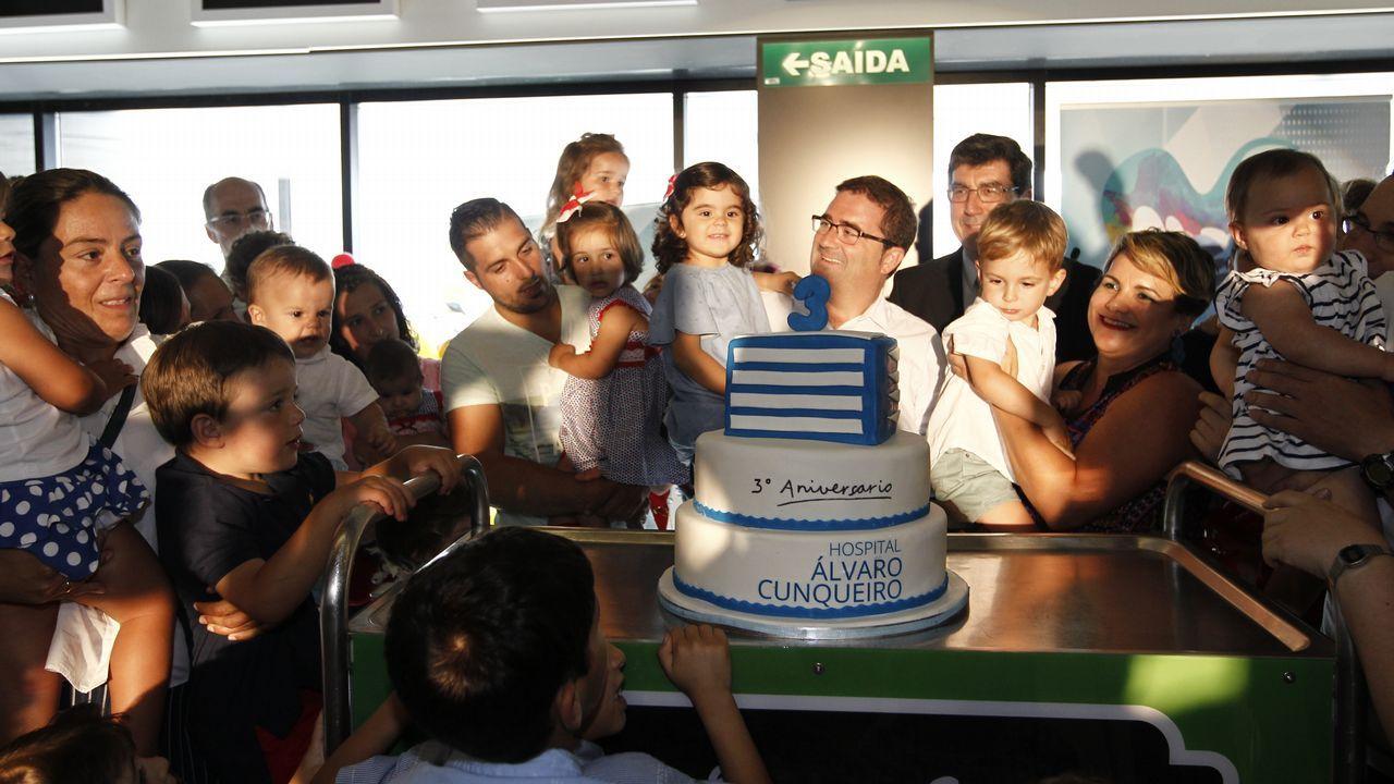 Celebración del aniversario del hospital con los niños nacidos en él