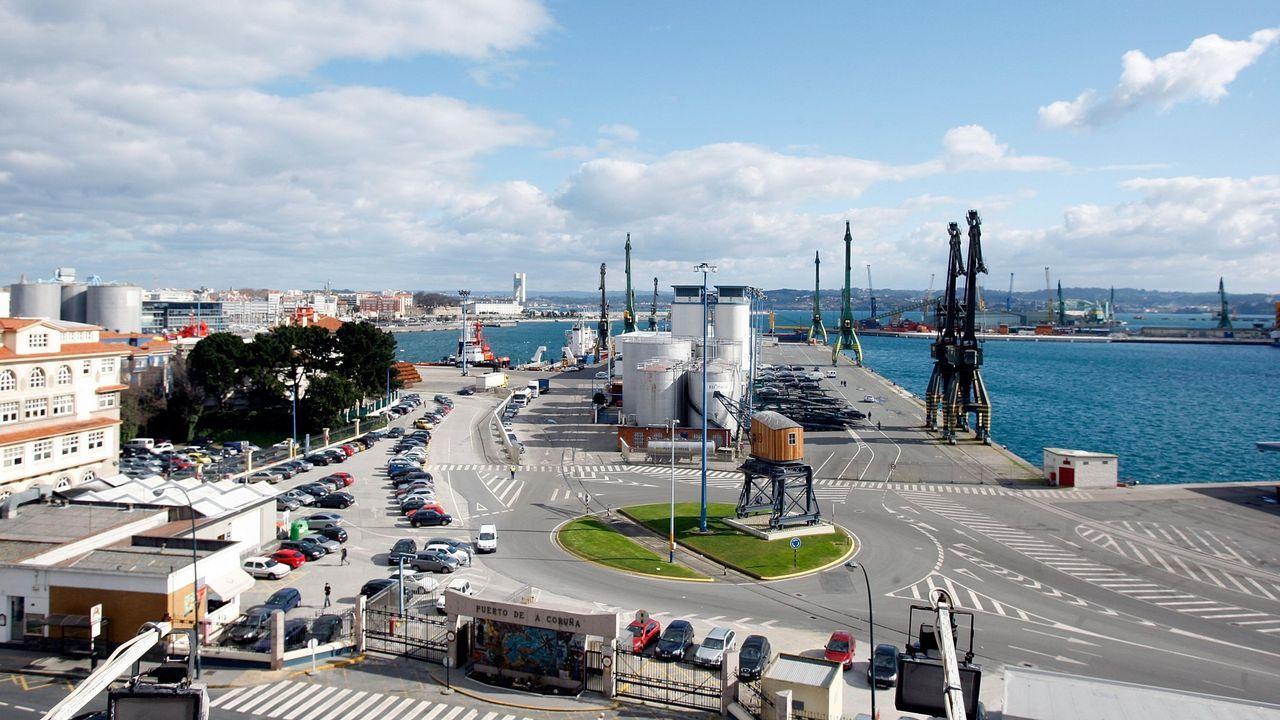 Arranca el cribado masivo en A Coruña.Vista del muelle coruñés de Calvo Sotelo
