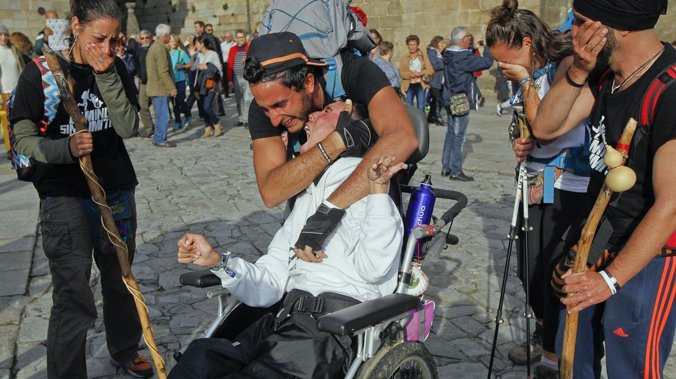 Las imágenes de la llegada de Juan Luis y Óliver al Obradoiro.Pablo Carreño
