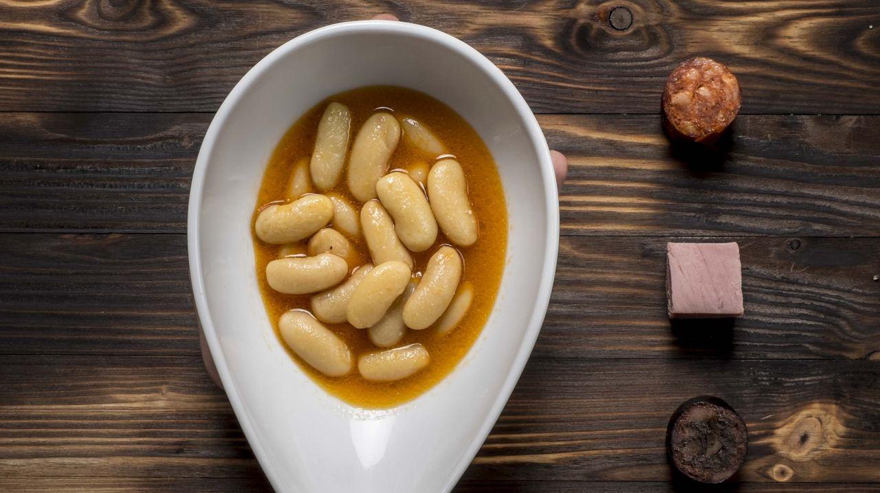 En Casa Gerardo, la fabada asturiana es un plato emblemático.