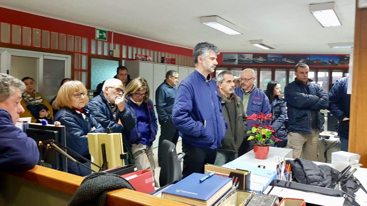Los trabajadores de Vulcano impiden la entrada de los jefes al astillero.Los trabajadores de Vulcano en una protesta a finales de enero