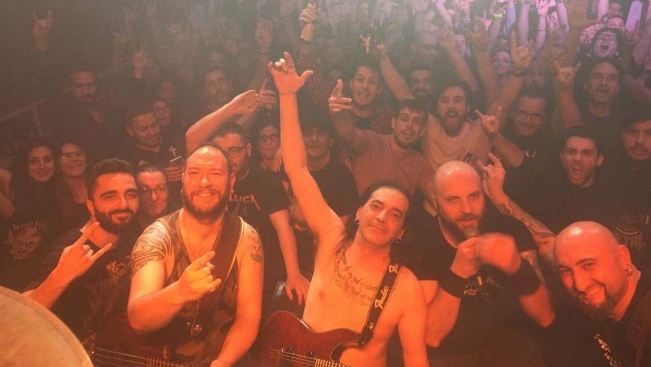 La conexión con el público es una constante en los conciertos de Metalmania