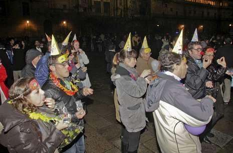 Ambiente festivo en la plaza del Obradoiro durante la pasada Nochevieja.