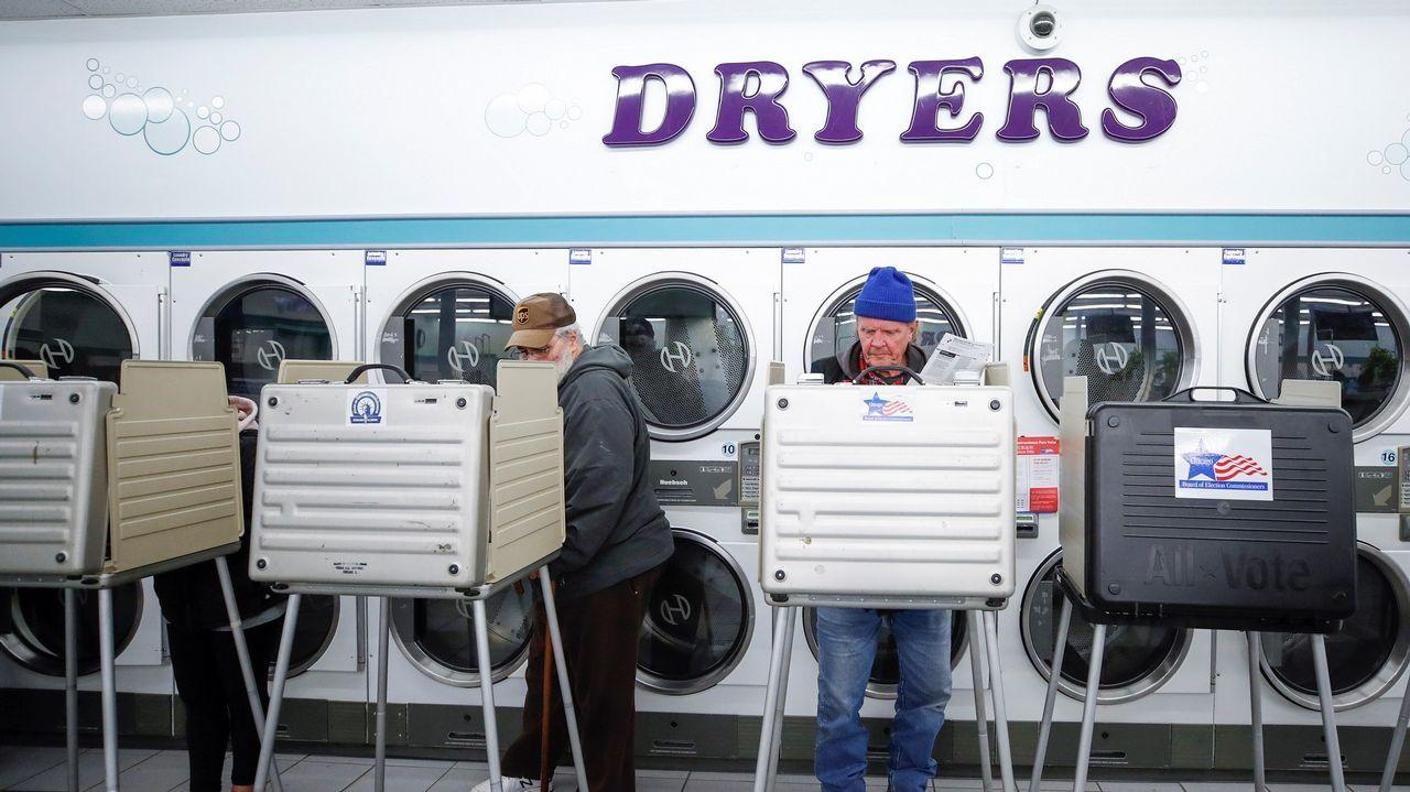 Uno de los centros de votación de Chicago estaba en una lavandería