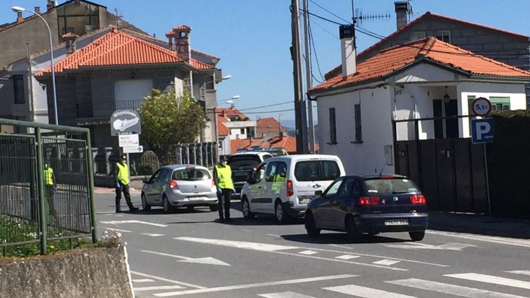 Control de Guardia Civil y Policía Local en Celanova durante el estado de alarma