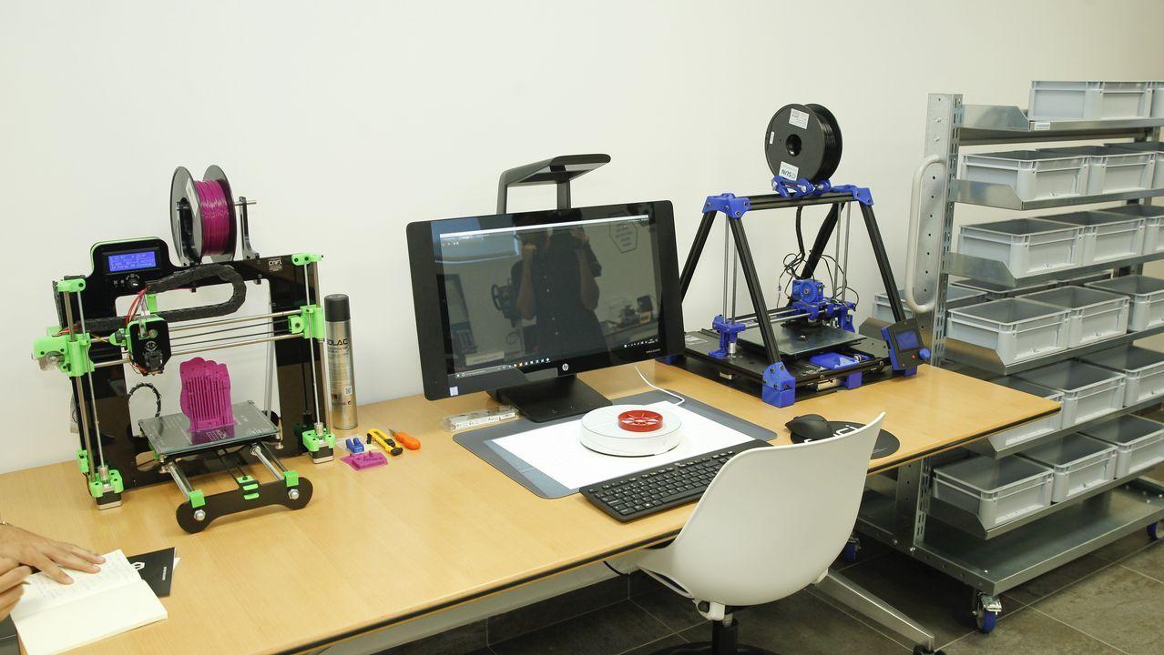 Escáner e impresora 3D, para practicar con expertos y compartir ideas con la tecnología más avanzada, antes de llevarla al aula