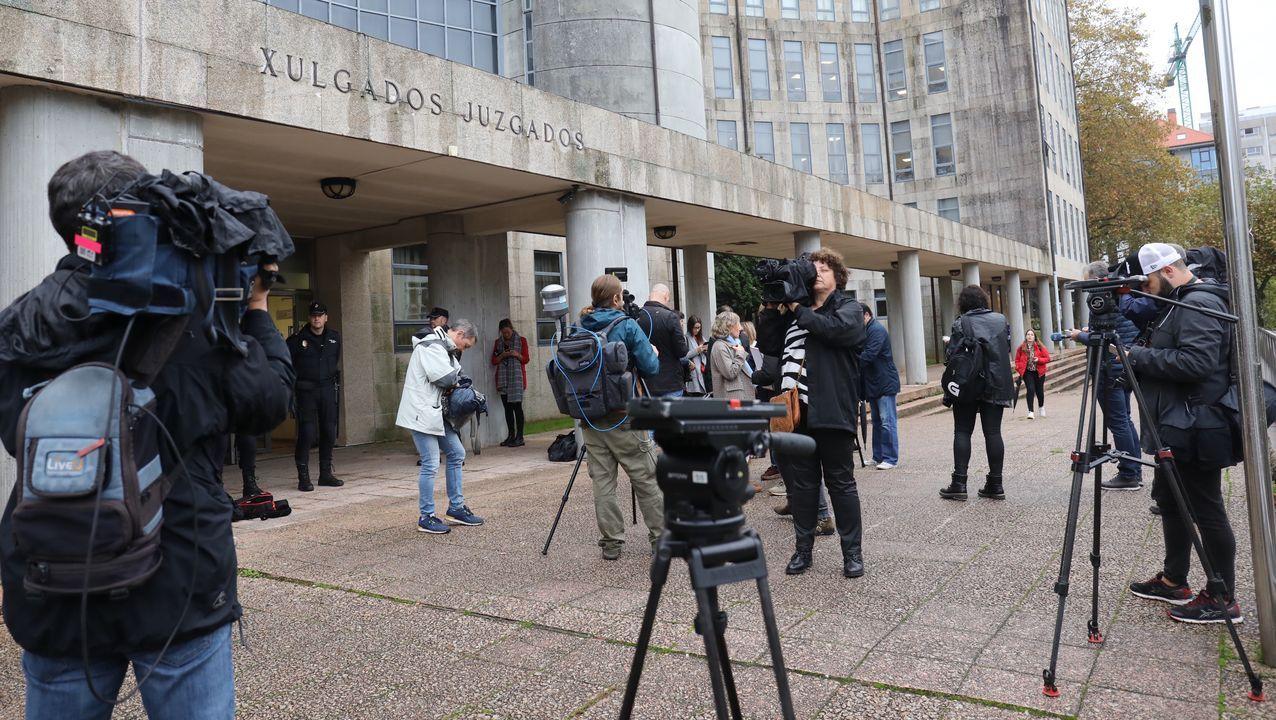 Despliegue de medios ante el inicio del juicio por el asesinato de Diana Quer
