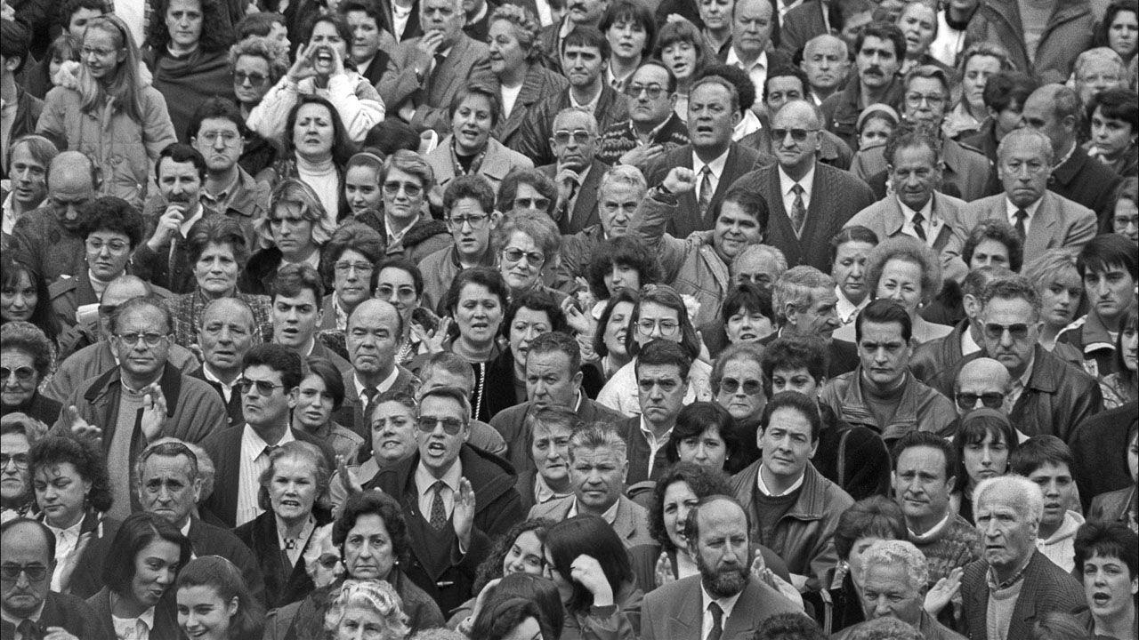 Concentracion de apoyo a los 232 despedidos de Duro Felguera. Langreo. Asturias (1993)