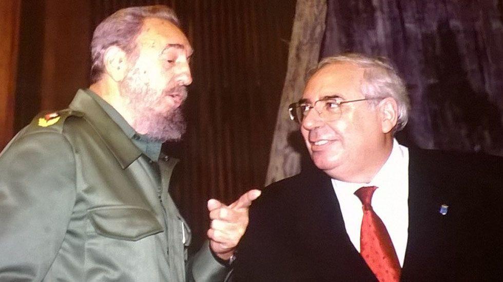 Muere Mario Soares, expresidente de Portugal.Fidel Castro y Vicente Álvarez Areces