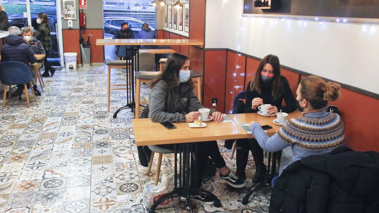 Cafetería Platea, en Amboage