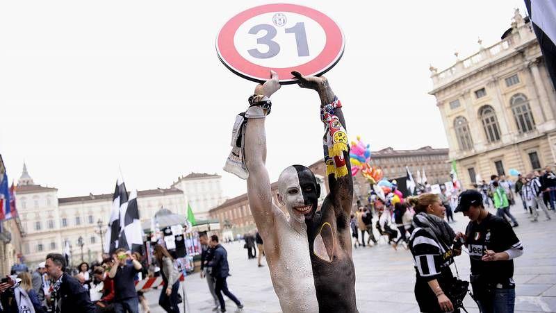 Gran fiesta en las calles de Turín.Pogba, objeto de los insultos racistas