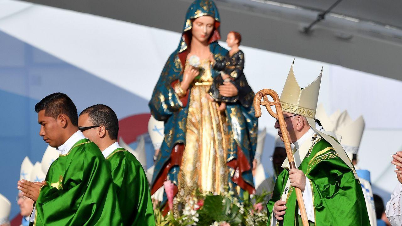 El papa Francisco respondió a las preguntas de los periodista durante el vuelo desde Panamá a Ciudad del Vaticano
