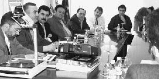 La presentación del proyecto reunió a responsables políticos de toda la comarca.