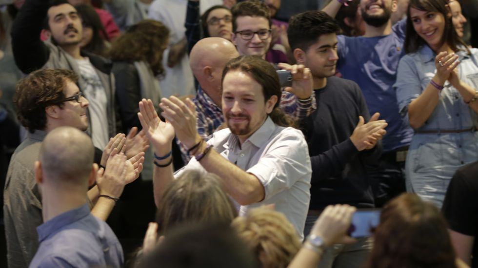 Pablo Iglesias llena la facultad de Económicas