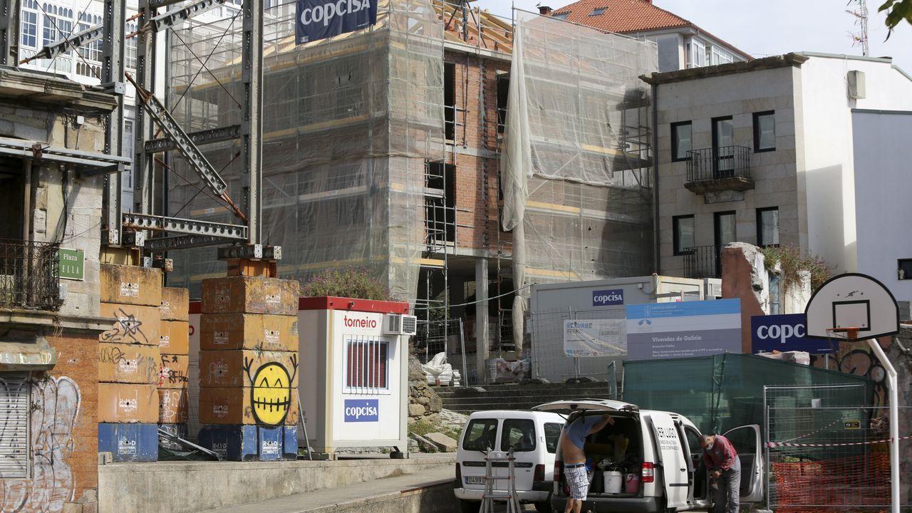 Edificio que la Xunta está rehabilitando en la calle Argüelles para viviendas de alquiler social